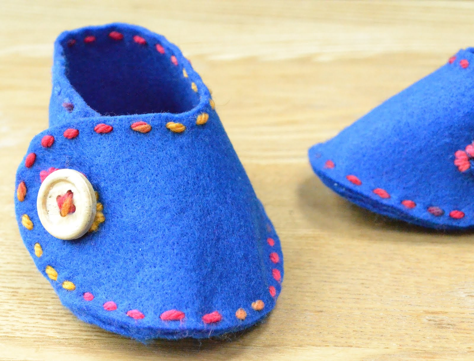 Wrap Over Felt Baby Shoe