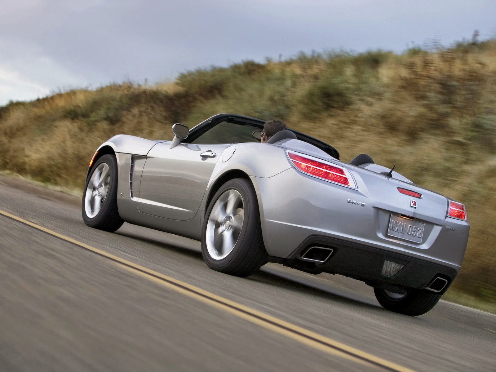 daily turismo look to the sky on the solstice 2006 2010 pontiac solstice saturn sky market. Black Bedroom Furniture Sets. Home Design Ideas