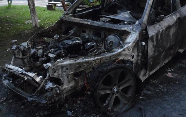 У Рівненській області спалили авто чиновника