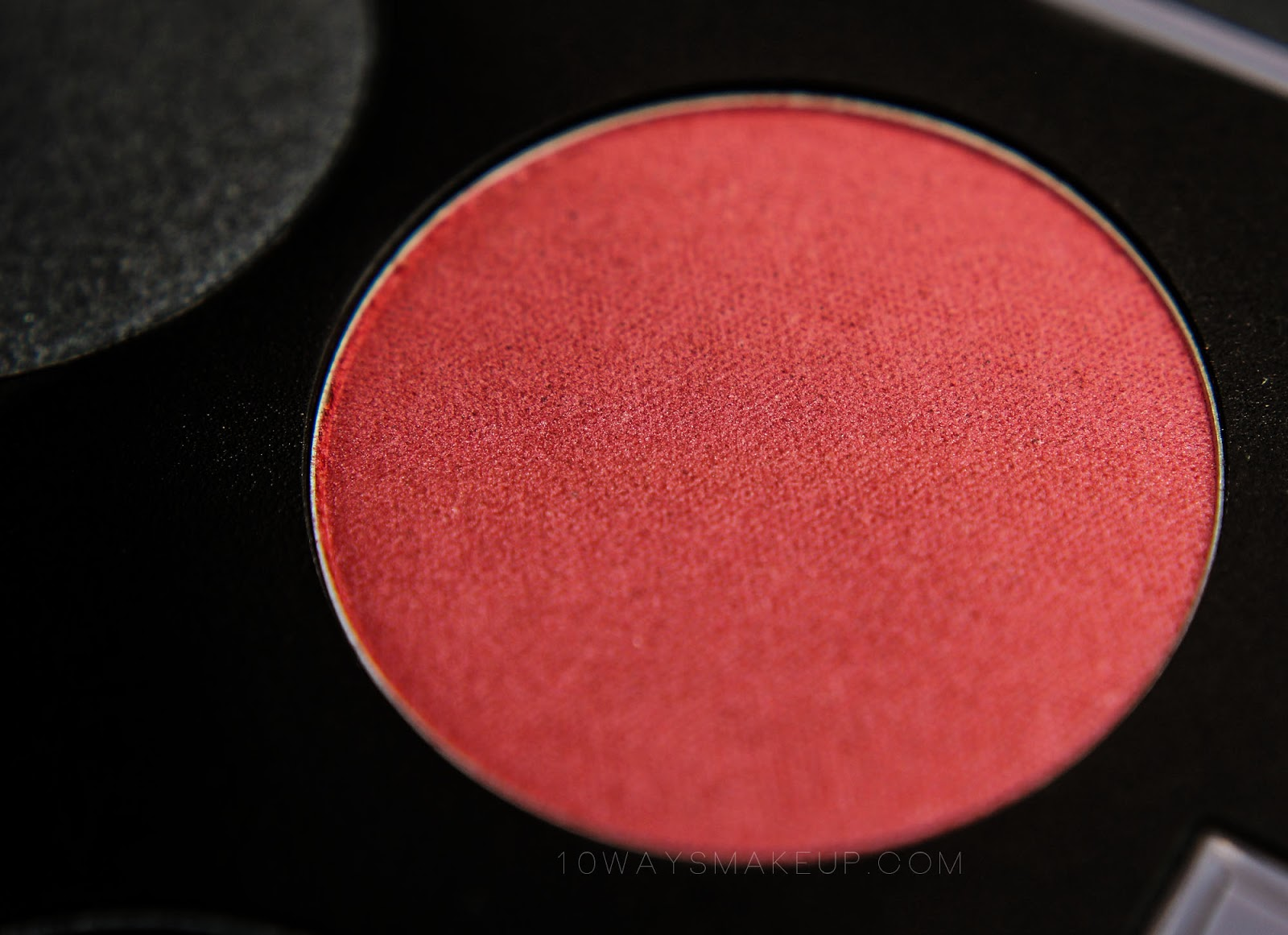 Neve Neogothic Court swatch review