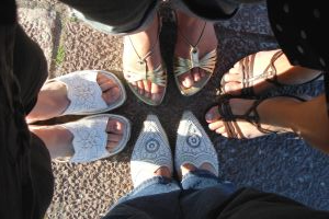 Image: Women's feet - standing toe to toe, by Päivi Tiittanen on freeimages