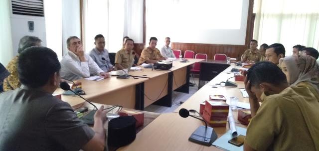 Sekda Muratara Pimpin Rapat Antara Kades dengan PT M3