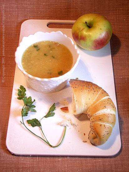 sycąca zupa z białej fasolki i jabłek