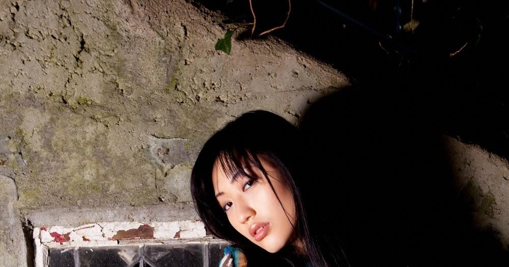 Fashion Shoot Shows Models Beaten Bloody: Mitsu Dan Japanese Gravure Idol Sexy Colorful Blouse