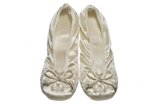 Bridal Slippers For Reception | Bridal Wedding Trend