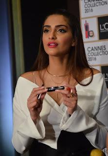SonamKapoor pormoting pink lipstick by L Oreal in Mumbai