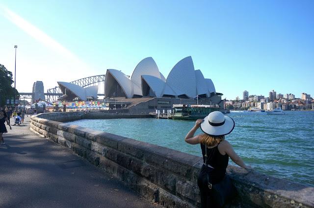 Walk with cham a pinay 39 s travel guide to sydney australia - Australia tourism bureau ...