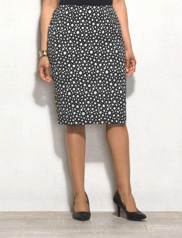 f56fd1ebac44b Cómo combinar una falda larga las faldas largas son un must de esta  temporada jpg 1050x1370