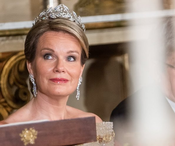 Queen Mathilde wears her wedding tiara. The tiara Queen Mathilde wore on her wedding day was borrowed from her new mother-in-law, Queen Paola