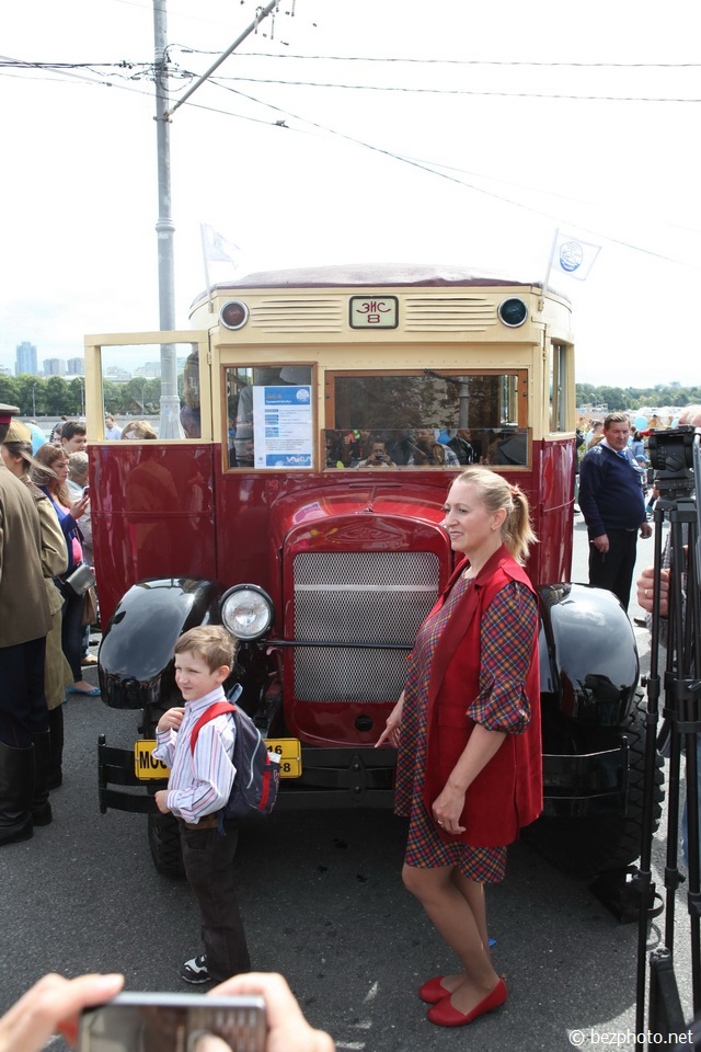 парад ретро автобусов в москве