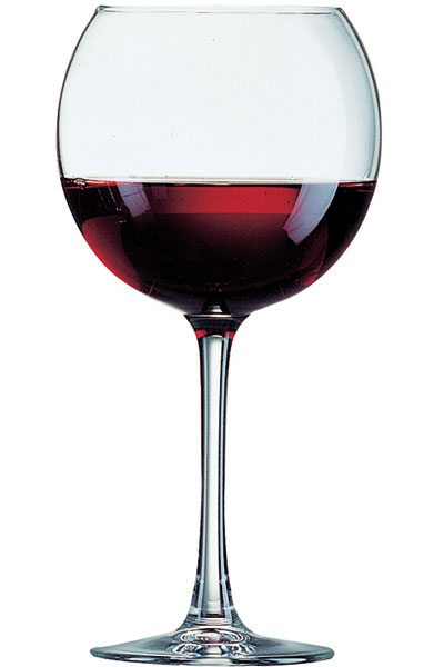 verre a vin plus grand que verre a eau. Black Bedroom Furniture Sets. Home Design Ideas