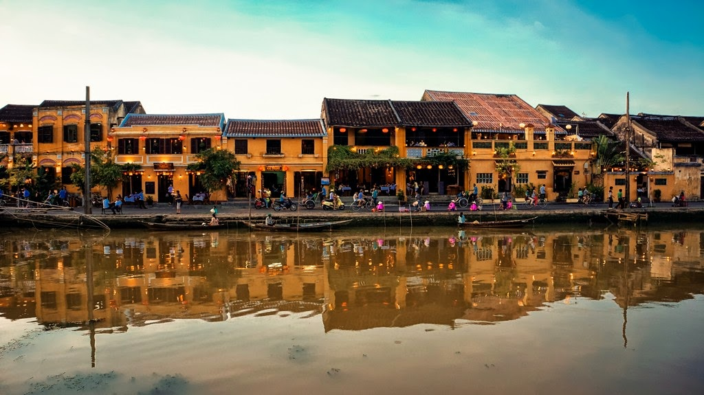 Hoi An old Town, beautiful places in Vietnam through eyes of foreigners, new beautiful places to see in Vietnam