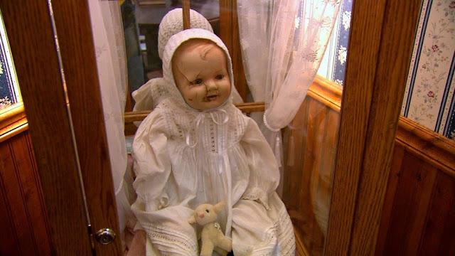 9 Boneka Paling Menakutkan Di Dunia