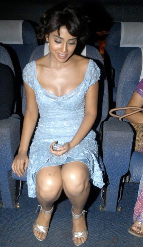 Hotest Celebs: Shriya Saran Hot Thighs Cleavage Show In