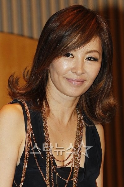 News] Lee Mi Sook added to cast of