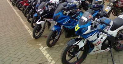 Parkir sepeda motor