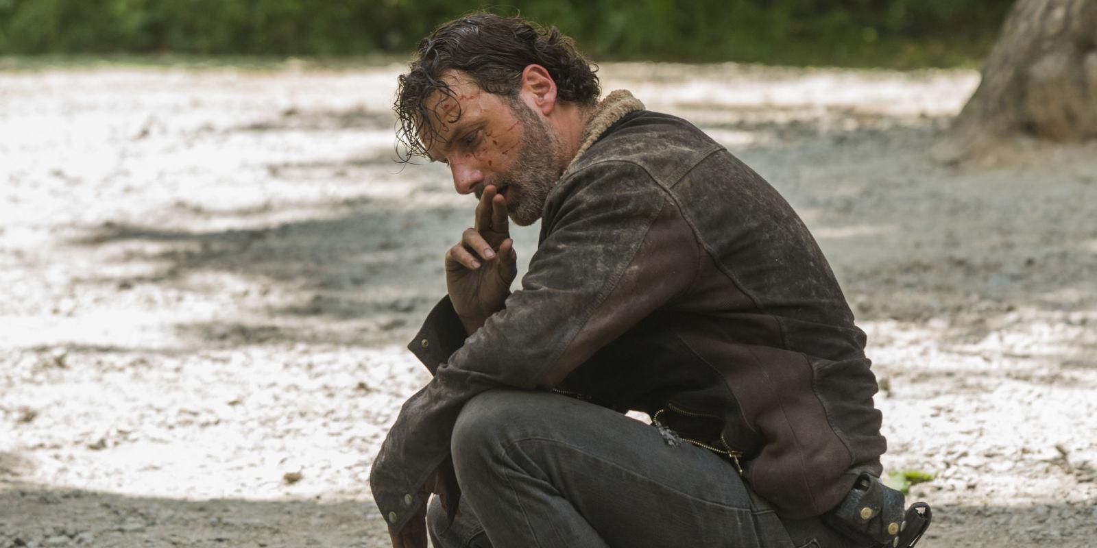 Rick, tras la muerte de Glenn y Abraham en el primer episodio de la séptima temporada de The Walking Dead