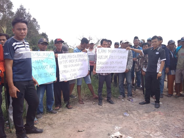 Aksi Demo Warga Dente Teladas Tulang Bawang