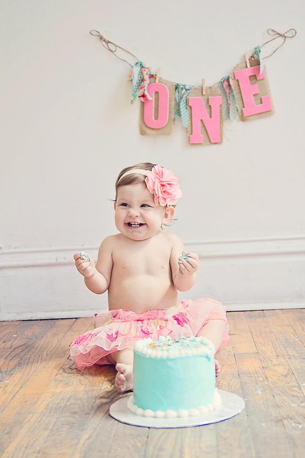 One+1+year+old+birthday+cake+baby+eating+first+cake+shabby+chic+tutu+fun+yummy+photo+shoot+celebration+maternity+motherhood+pregnancy+Liz+Anne+Photography+5 - A Smashing Good (Cake) Time!