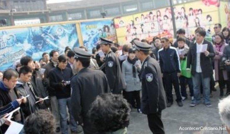Cierran iglesia en China y le ponen candado