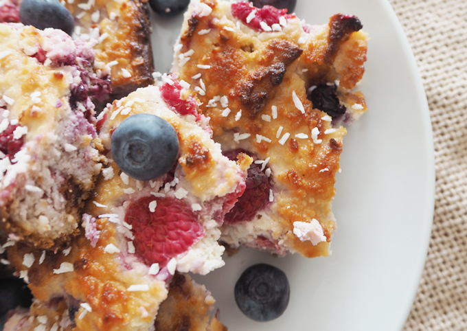 Made Up Style All Natural Raspberry Blueberry Almond Slice bake recipe close up