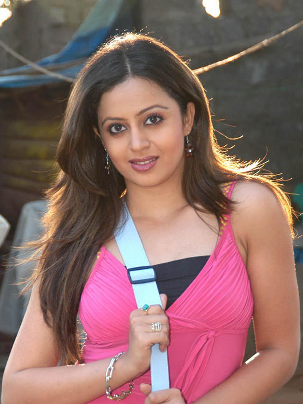 Neha Pendse 19 Beautiful Amp Hot Photos Download Indian