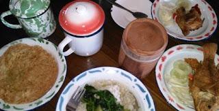 Njajan Makan Siang di  Warung Konco nDeso Yogyakarta