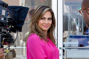 Jennifer Lopez on the set of advertising gadgets store
