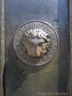 Symbolisme, lion, gardien, porte, heurtoir,