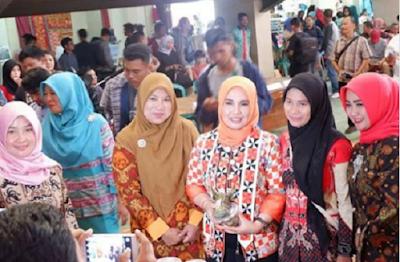 Celugam Kain Khas Lampung Barat Bermotif Warisan Leluhur