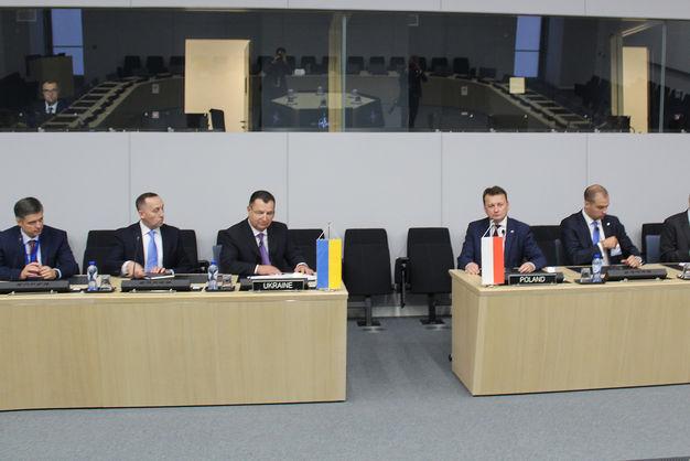 Міністр оборони Польщі: Ми повинні підтримувати Україну у спробі наблизитися до НАТО