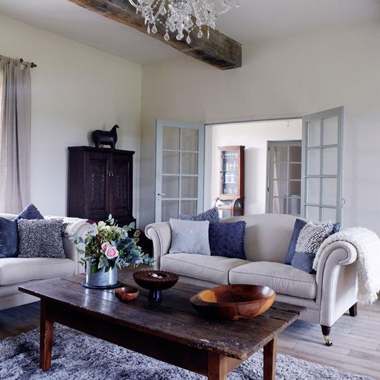 Home Interior Design: Traditional Living Room