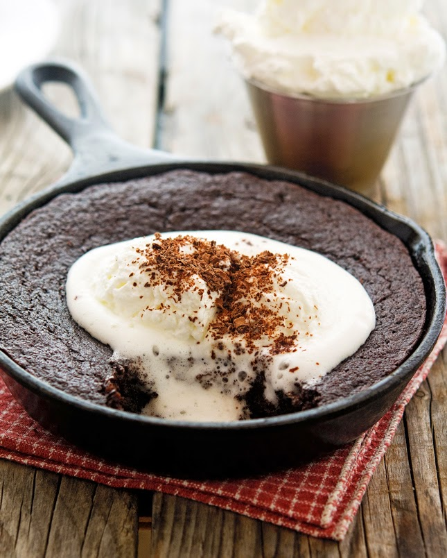 Almond-Chocolate Skillet Brownie