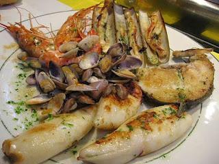 اليود فى الأسماك وفى المأكولات البحرية وحالياً يضاف إلى ملح الطعام
