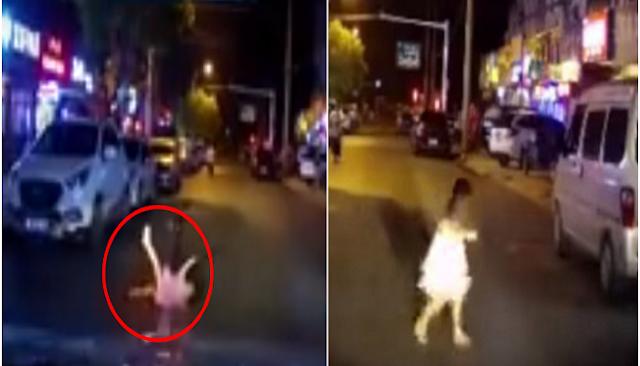 Un auto Atropella a una niña, y esta sale ilesa