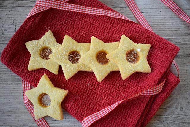 La ricetta natalizia del biscotto di vetro