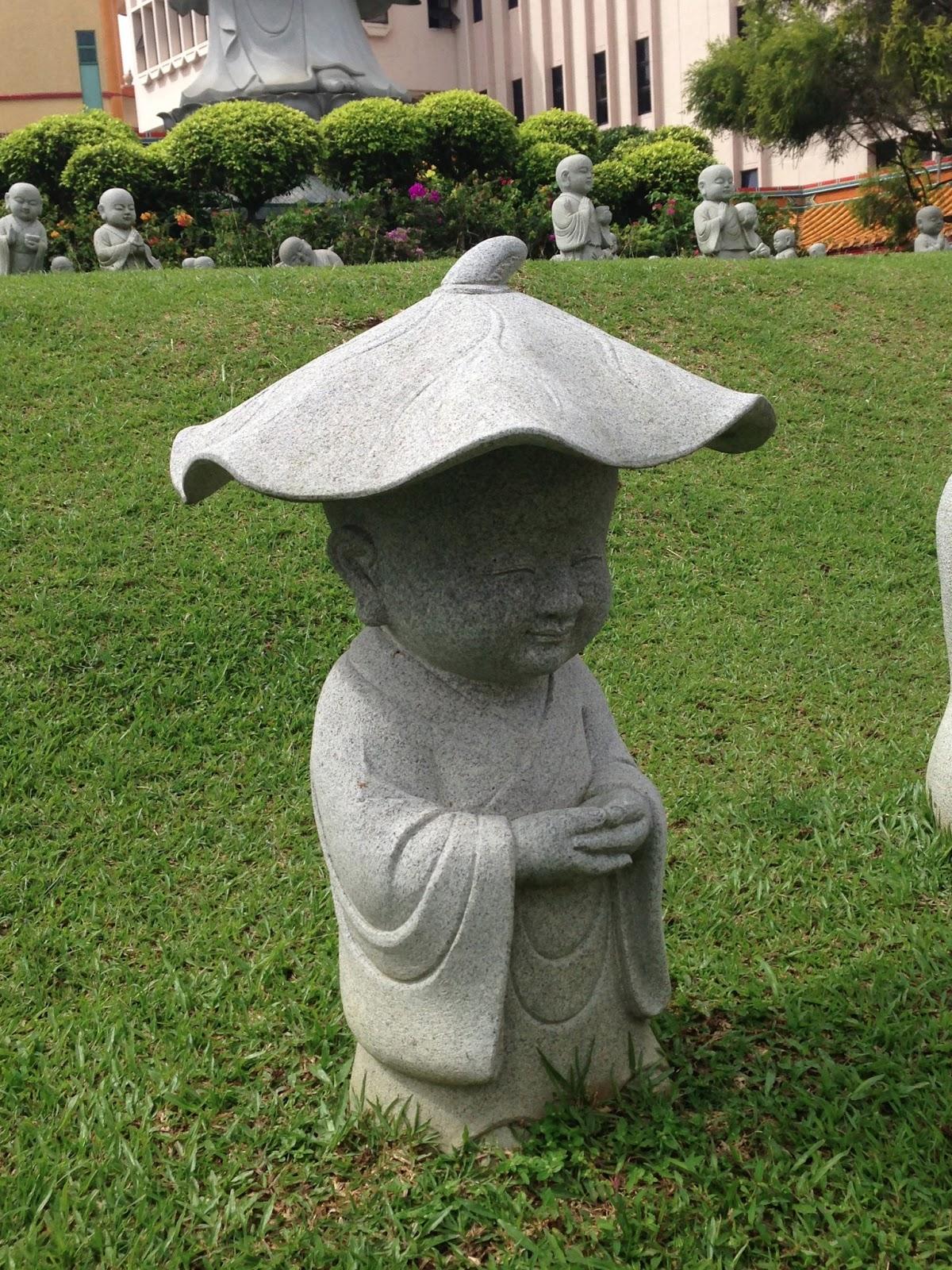 poulettes l 39 aventure kong meng san phor kark see monastery. Black Bedroom Furniture Sets. Home Design Ideas