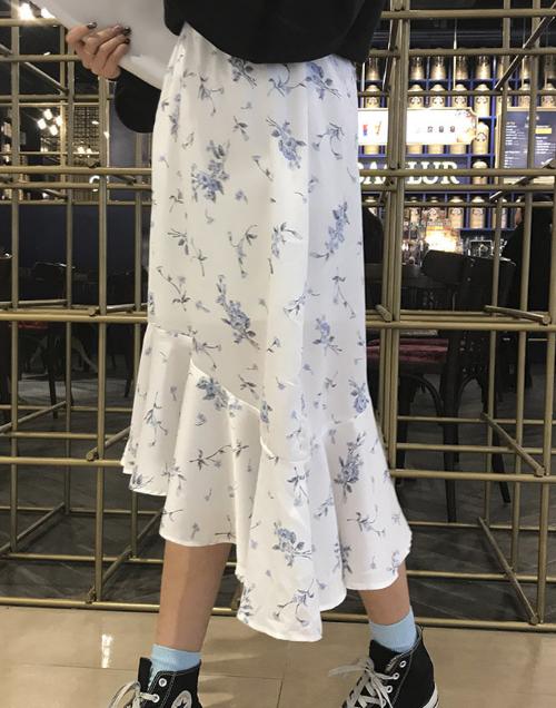 Flounce Asymmetrical Hem Floral Skirt