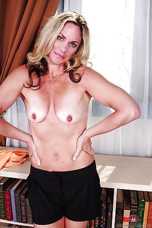 Hot Skirt Porn Pics