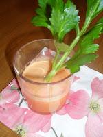 centrifugato ananas carote sedano zenzero