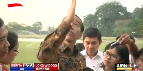 Image result for jokowi nyungsep