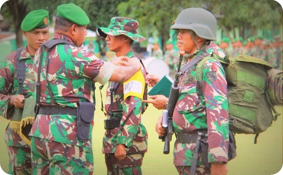 Herman Asaribab Tutup Latihan  Tugas Operasi Pengamanan Daerah Rawan