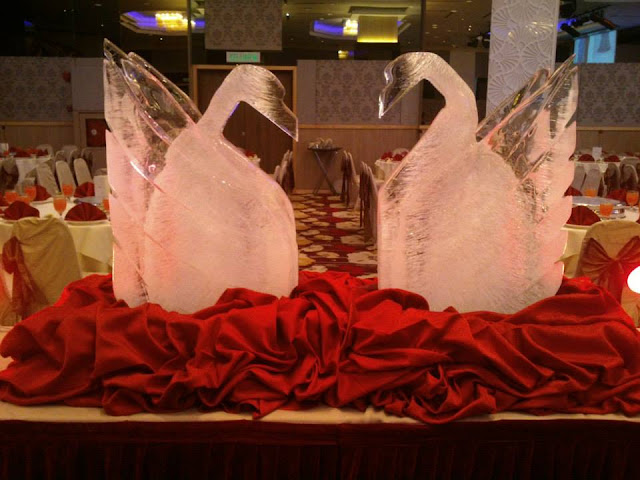 scupltures for wedding
