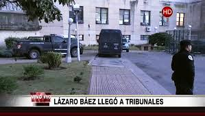 Báez, quien fue arrestado por orden de Casanello el 5 de abril último en el aeródromo de San Fernando en la provincia de Buenos Aires, llegó con casco y chaleco antibalas desde el penal de Ezeiza donde se encuentra detenido acusado de lavado de dinero.