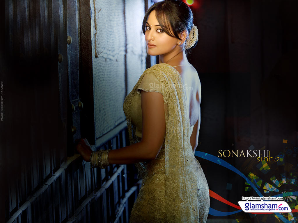 sonakshi sinha hot kiss - photo #18