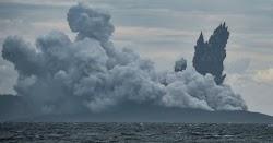 Στις 27 Αυγούστου του 1883, ακούστηκε ο δυνατότερος καταγεγραμμένος ήχος στην ιστορία. Προήλθε από την έκρηξη του ηφαιστείου Κρακατόα στην Ι...