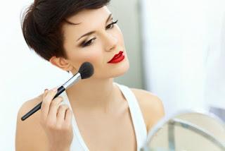 Trik make up biar kelihatan lebih muda