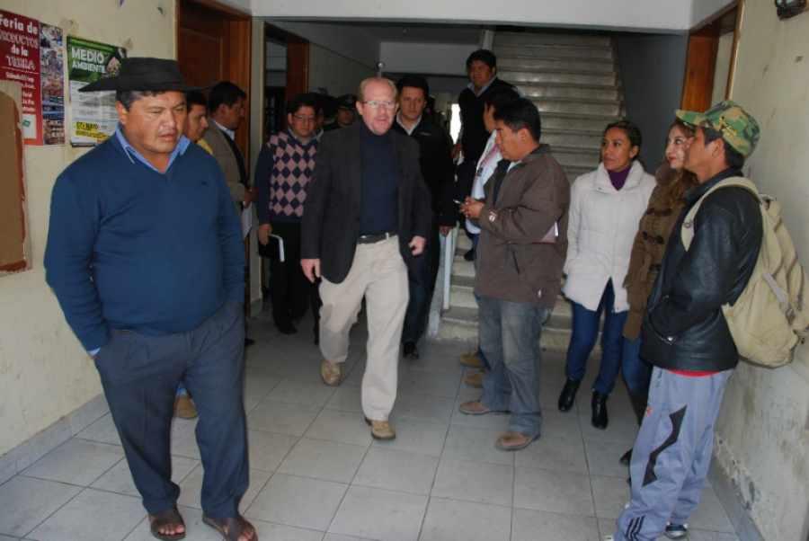 Gobernación de Tarija, presenta a la federación de campesinos propuesta de nuevo reglamento PROSOL