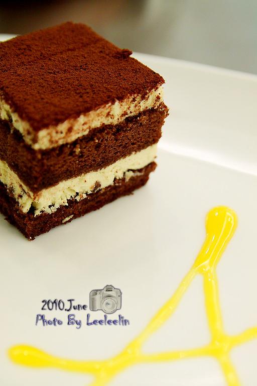 三峽北大烘培坊 艾波索 彌月蛋糕、黑金磚、泡芙