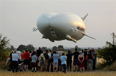 World's Largest Aircraft Takes To The Skies For The First Time! Photos
